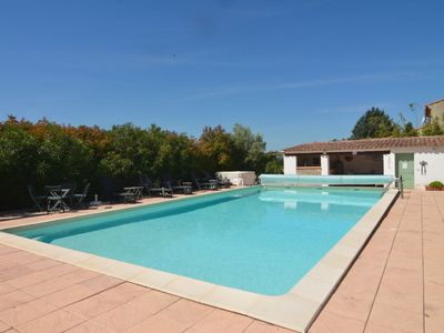 Photo for Apartment to rent in 19th century Bastide with shared swimming pool