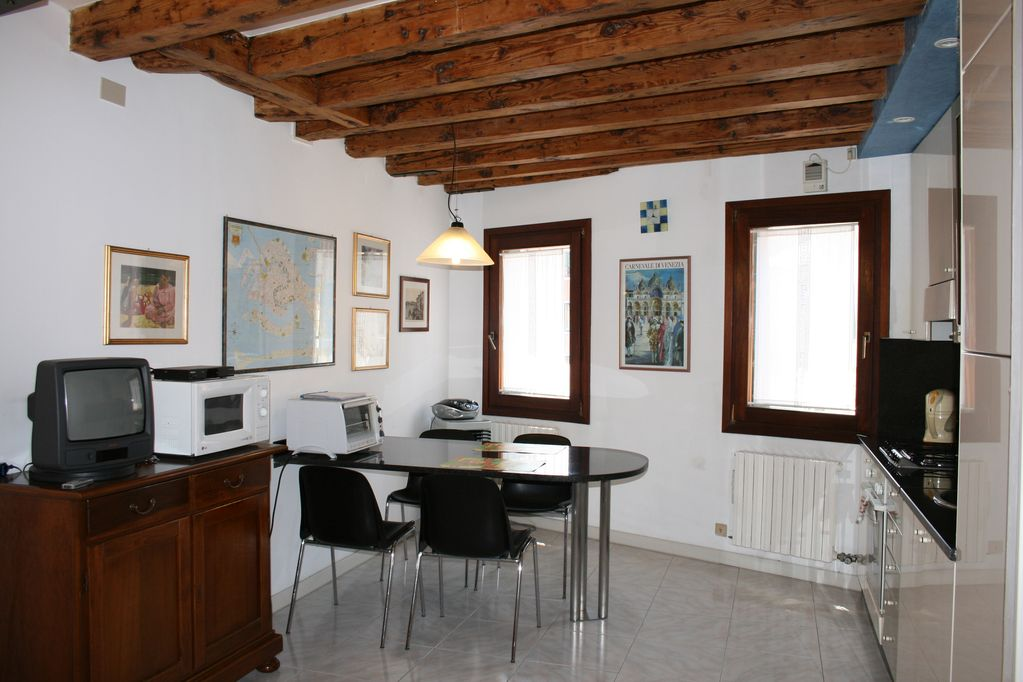 Apartment In The Historic Centre Of Venice Italy