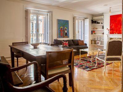 Photo for Lovely 3-Bed Apartment next to El Retiro