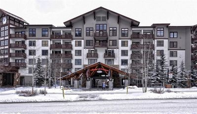 Photo for Passage Point One Bedroom sleeps 5!!  Walking distance to the lifts in Center Village.