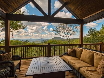 Falcon Ridge - The View is Worth Everything!