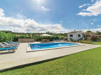 Photo for Family holiday accommodation  w/ modern comforts, Roman pool and BBQ