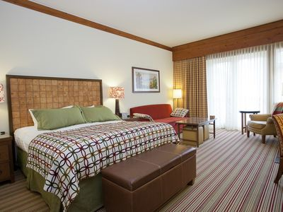 King Size Bed & Living Area