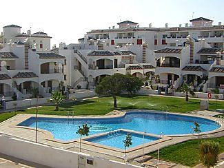 Photo for Modern Apartment with Balcony, Roof Terrace, Large Commual Pool with Aircon