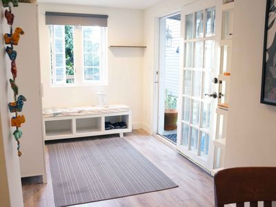 Photo for Charming Modern 2 Bedroom Getaway in Queen Anne