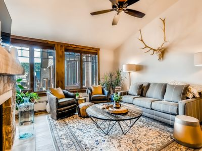 Photo for Spacious condo with vaulted ceilings and private balcony!