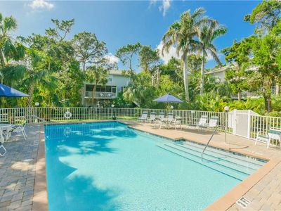 Photo for GREAT RATES AND FANTASTIC LOCATION IN THE HEART OF HOLMES BEACH!! WALK TO SHOPPING, RESTAURANTS AND THE BEACH FROM THIS NEWLY UPDATED CONDO!! BOOK YOUR 2020 STAY TODAY!