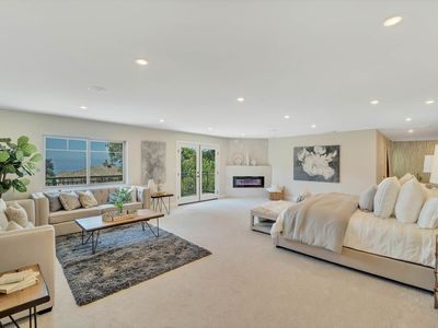 7300 Sq ft Iconic La Jolla estate! Only blocks from the shore & golf course...