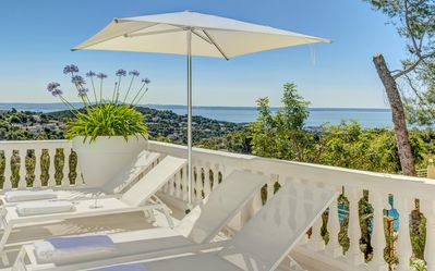 Photo for Stylish 300 m2 pool Villa with Stunning Seaview in exclusive residential area