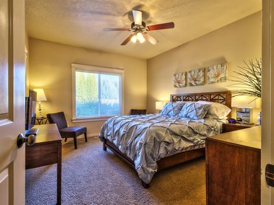 Relocation Specialists, Community pool, close to everything in Treasure Valley!