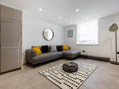 Photo for Spacious 3 BR House with Patio in Marylebone
