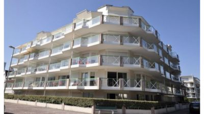 Photo for 3 room apartment Near the sea, ground floor, large terrace, garage.