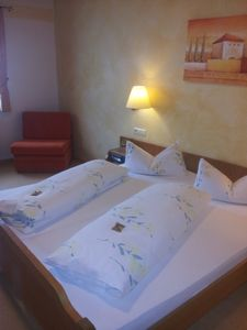 Photo for Double Room, Cat A, Non smoking, toilet and shower - Hotel Werneths Landgasthof Hirschen