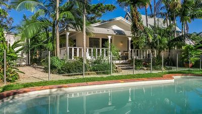 Photo for Glasgow on Tallow BYRON BAY- a chic, peaceful beach cottage- 600m walk to beach