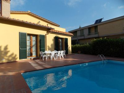 Photo for Beautiful private villa for 10 people with hot tub, WIFI, private pool, TV, terrace and parking