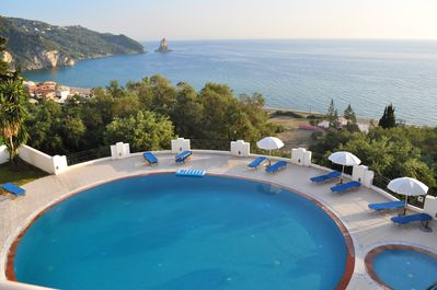 Lovely Corfu home with panoramic view over the bay of Agios Gordios