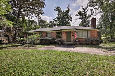 Book this cozy vacation rental home in Jacksonville for your next trip.