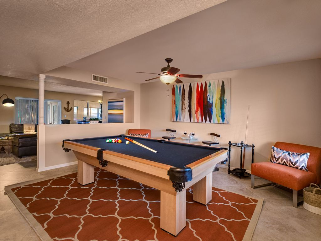 JUNE DATES SAVINGS FABULOUS OUTDOOR AREA WITH TIKI BAR POOL TABLE - Outdoor pool table rental