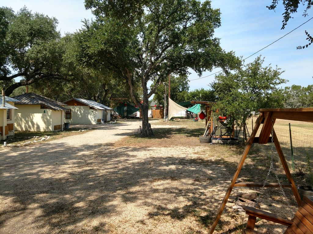 Casita Blu Cabin 6 With Access On The Guadalupe River