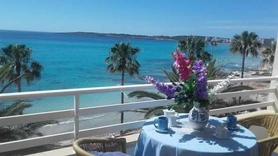 Photo for Great Apartment 1 bedroom sleeps 4 ,balcony with sea and beach view  on front