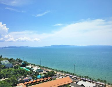 Photo for Luxury Aeras One Bedroom Jomtien !