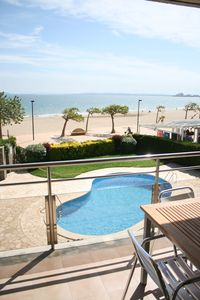 Photo for ROSES, FRONTLINE, perfect for families POOL + WIFI + PARKING + TV