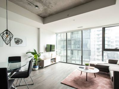 Photo for Stunning 1 BR Condo in Popular King West