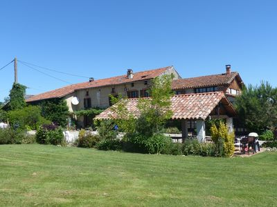 Photo for Traditionnal toulousaine farmhouse, with pool, panoramic view, all mod cons.