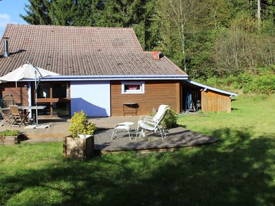 Photo for Ideally located chalet; Quiet, 100m from Lake and forests, town and ski slopes