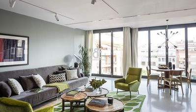 Photo for Be Apartment - Elegant fully equipped 140m2 apartment with 3 bedrooms, an office and 2 bathrooms, jacuzzi, community pool and gym located near Avenida Diagonal and the prestigious Barraquer clinic. Minimum stay 32