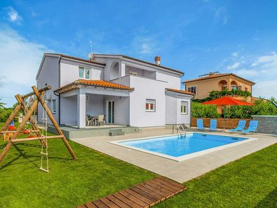 Photo for 5 bedroom Villa, sleeps 9 in Škatari with Pool, Air Con and WiFi