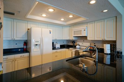 Granite Full Kitchen - Fully furnished with all kitchen