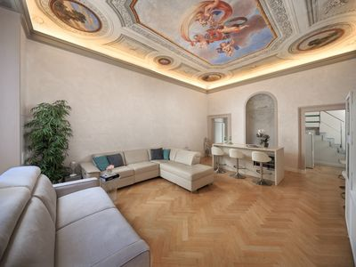 Photo for Elegant and refined apartment in an elegant building in the heart of Florence.