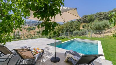 Photo for Lovely holiday villa near the White Towns of Cadiz