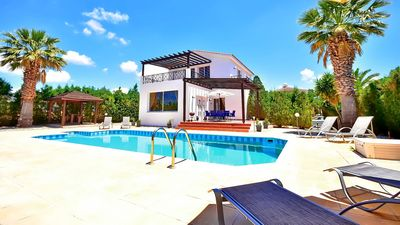 Photo for Villa In The Heart Of Coral Bay Offering Privacy And Seclusion