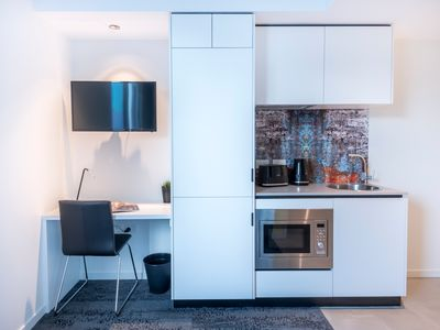 Photo for U404 46 Foveaux St - Modern twin room with city views