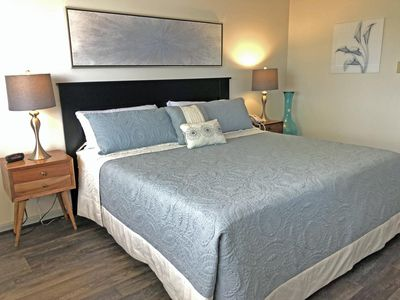 Photo for Newly Renovated South Shore 1 Bedroom Condo/ Full Kitchen! Lot's of Amenities!