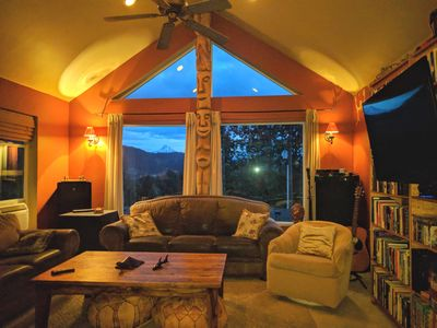 Super comfortable living room with views of Mt. Hood & lots of board games and b