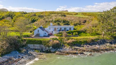 Photo for Delightful Waterside Cottage, Idyllic Co Cork Location, Attractive Rates