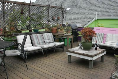 Roof Deck with BBQ.  Most days are sunny!  Close to food, shopping, and BART