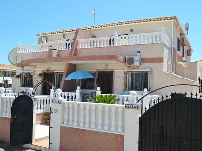 Photo for 3-Bedroom Holiday House Free Wifi Communal Pool Walking Distance To Beach &Strip