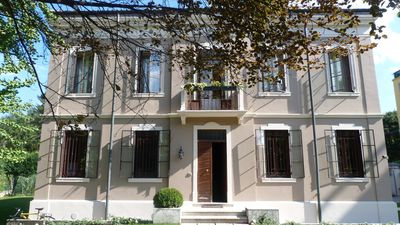Photo for Independent apartment in beautiful Villa Liberty Vicenza center near Hospital