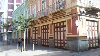 Photo for Apartment in antique Spanish building between Las Canteras beach and Port.