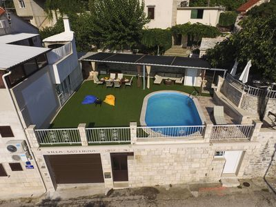 Photo for Family-friendly apartment for 6 with private pool and great sea-view