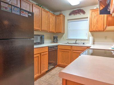 Virtual Check-in, 2 BR on River, Clean, Feb Deals!