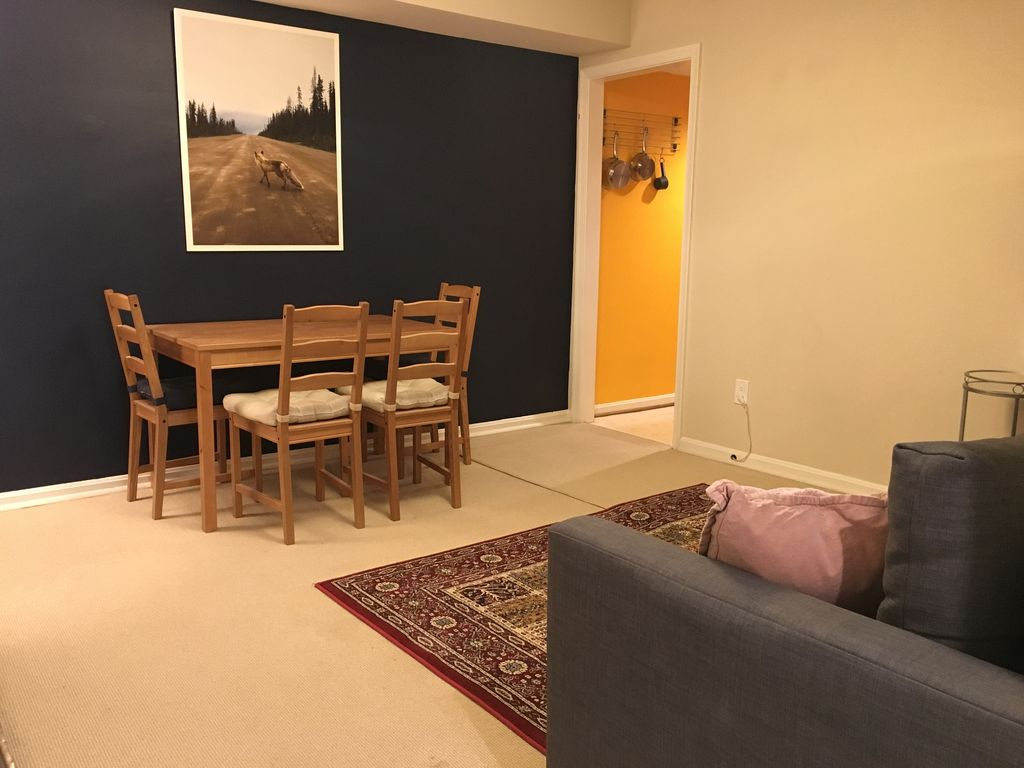 Full Apartment In Palisades DC Easy Parking Transit To All