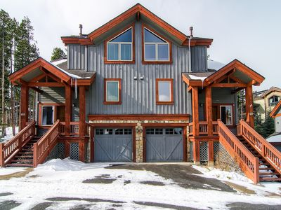 Photo for Ski in/ski out ground floor townhome with private hot tub close to town!