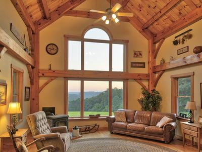 Lodge style home on 140 acre farm. Remote but close to much! Hot Tub, Pets
