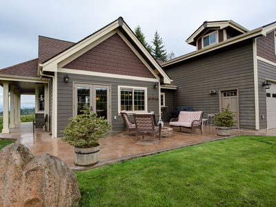 Photo for Beautiful house plus private apartment, just 6 miles from Hood River!