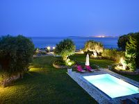 A lovely villa in a superb location right on the beach